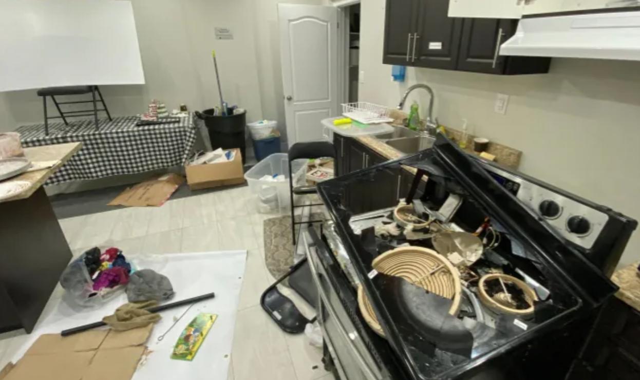 Kanadada məscid vandalizm aktına məruz qaldı